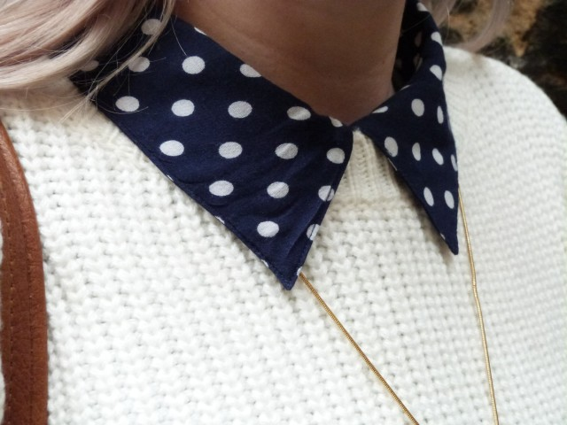 Polkadot collar